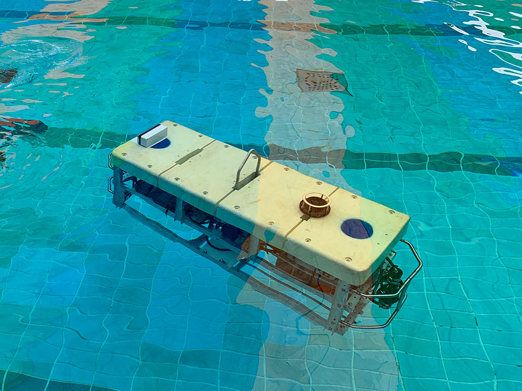 Autonomous Underwater Vehicle With Object Recognition and Auto-Navigation Using Artificial Intelligence