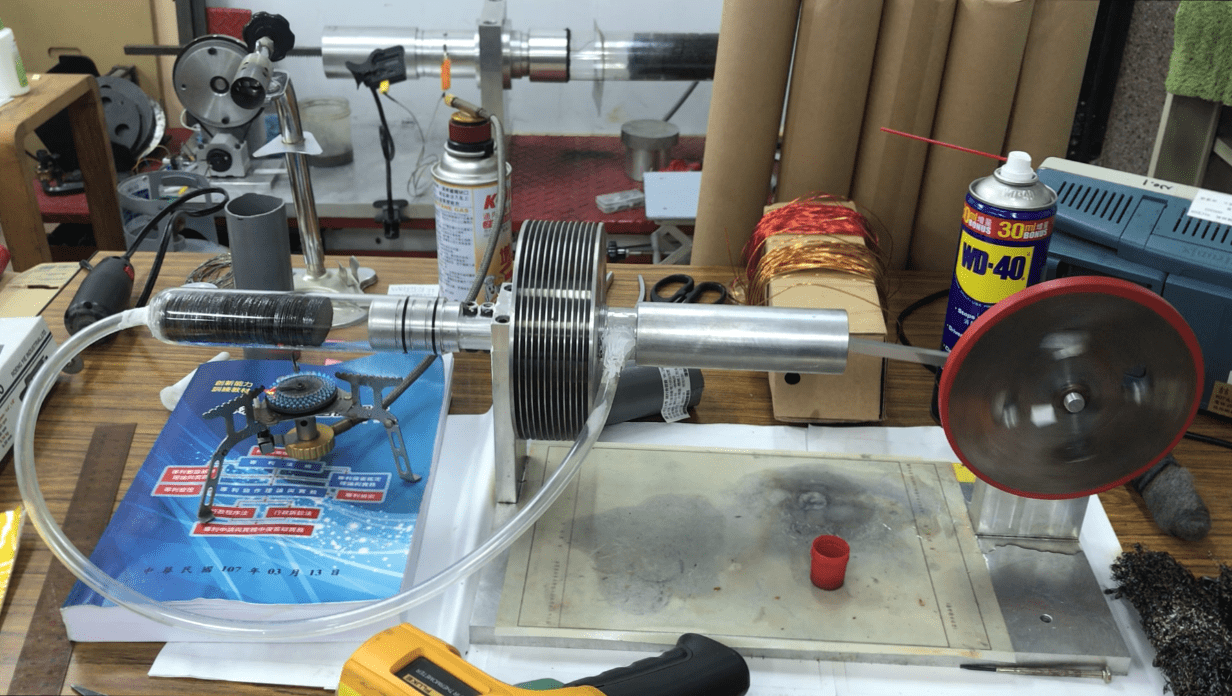 Self-Cooling System of  Thermoacoustic Wave Engine