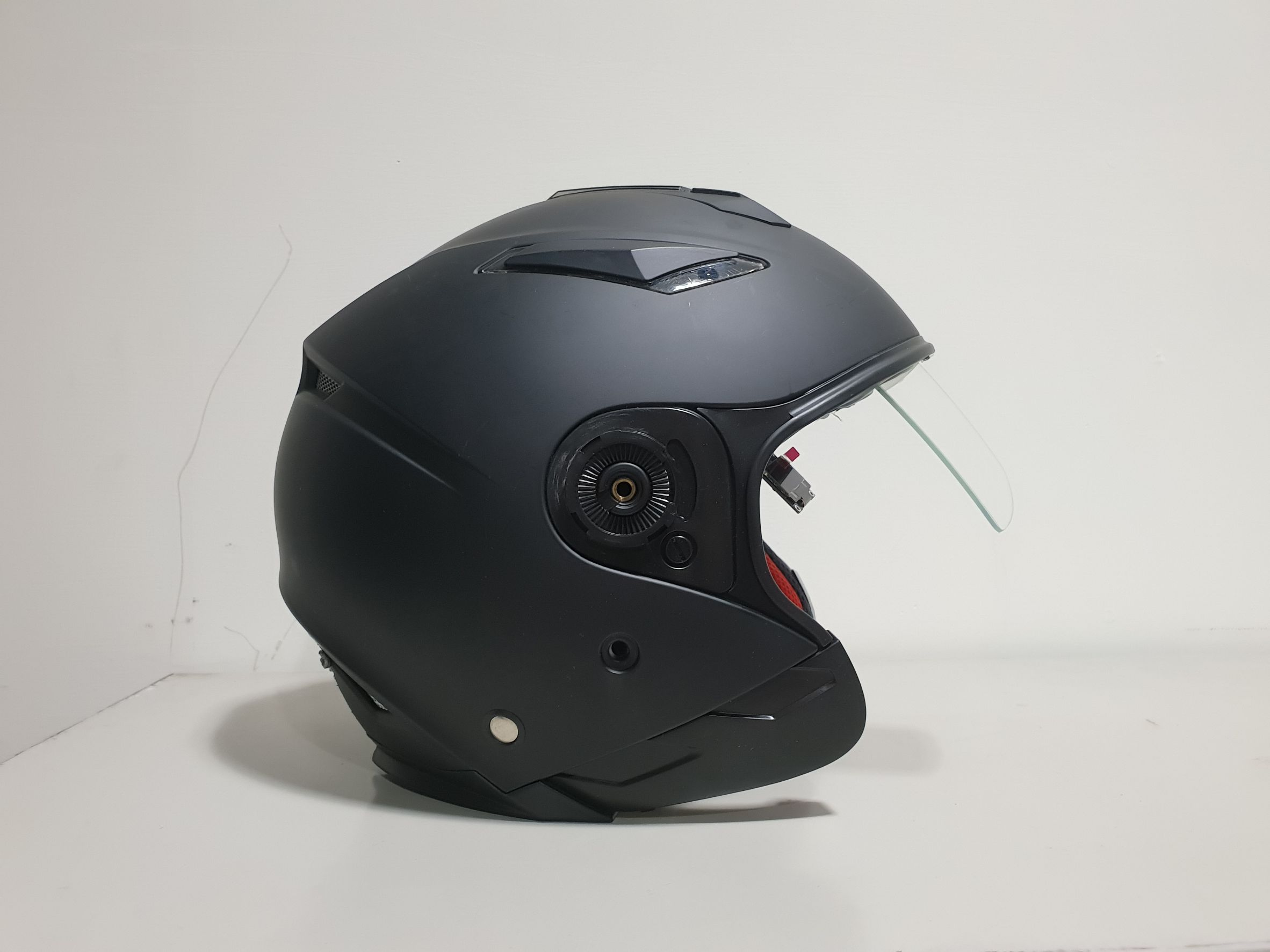 Helmet with HUD Supporting Display